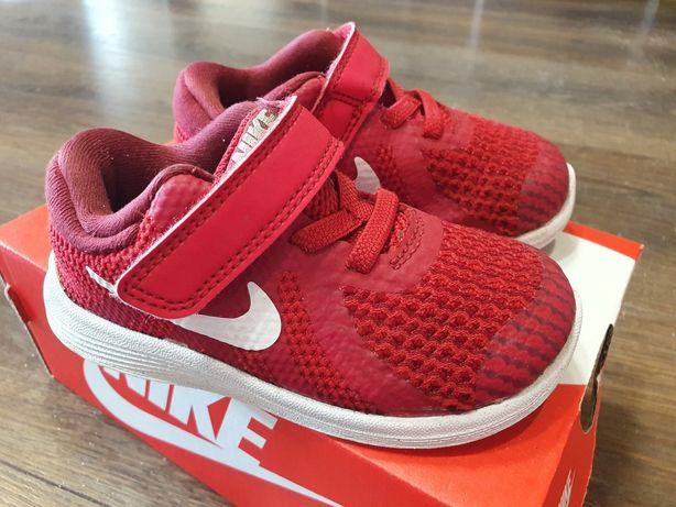 Buty Nike czerwone rzepy