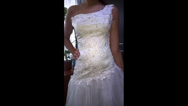 Продам свадебное, выпуское платье!