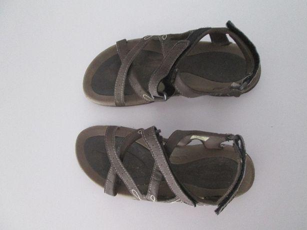 sandálias desporto, marca Hi Tec nº 36