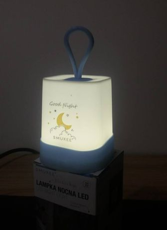 Lampka nocna, delikatne światło, latarenka Smukee z antypoślizgiem