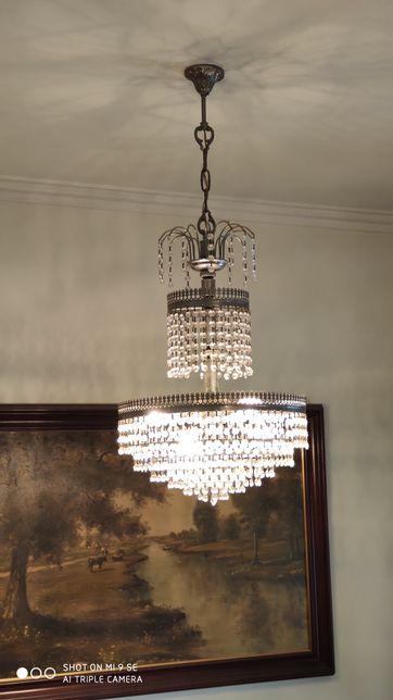 Candeeiro de lustre em cristal