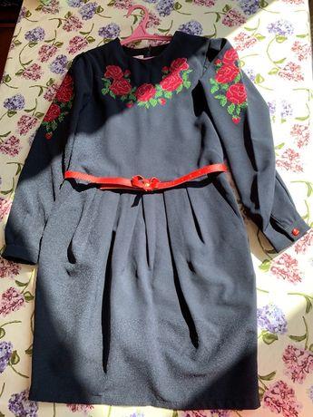 Школьное платье оригинальное, нарядное, синий с вышивкой, 140 р