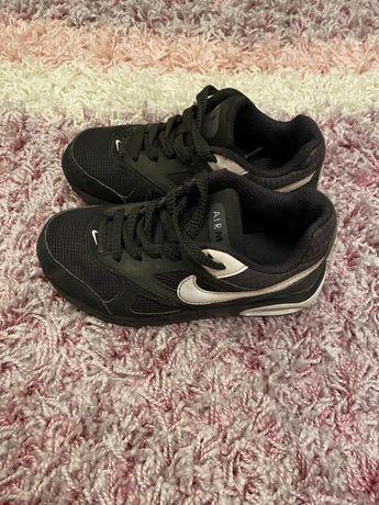 Продається взуття для хлопчика 28,28,5,29,30 розмір