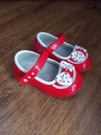 Туфельки, туфлі для дівчинки