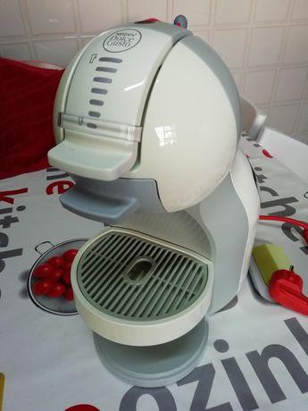 Máquina café Nescafé Dolcegusto Mini Me