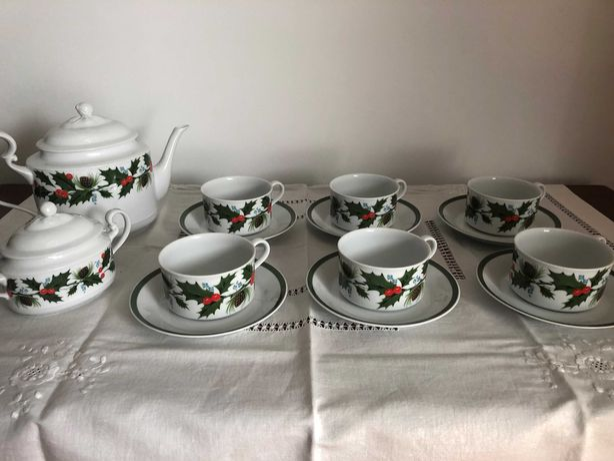 Serviços chá e mesa SPAL e loiça azul