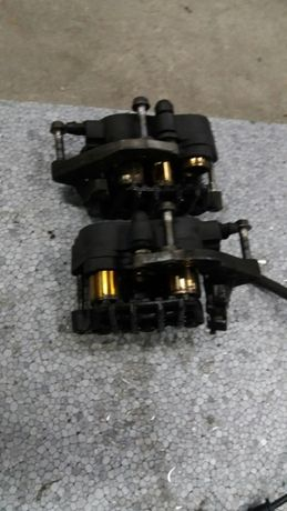 Honda NTV 650 Deauville zacisk hamulcowy przód przedni