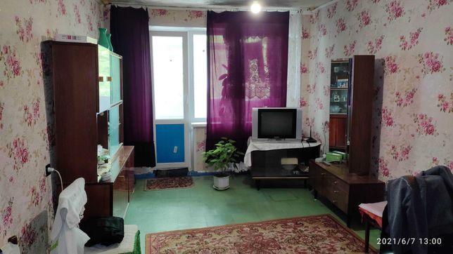Продается 2 х комн кв-ра на 17 кв-ле ул Колачевского. 3/5 эт.