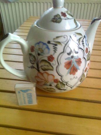 Чайник фаянсовый емкостью 2 литра