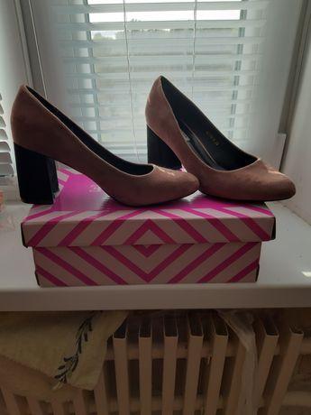 Туфли замшевые,розовые
