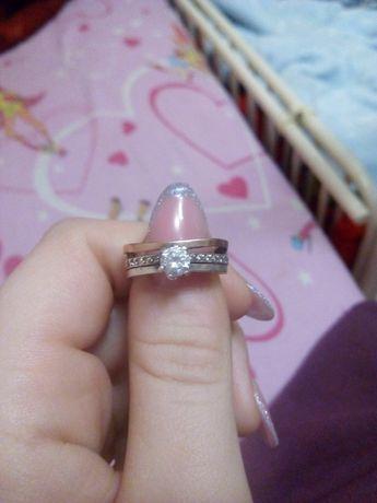 Продам кольцо золото с серебром