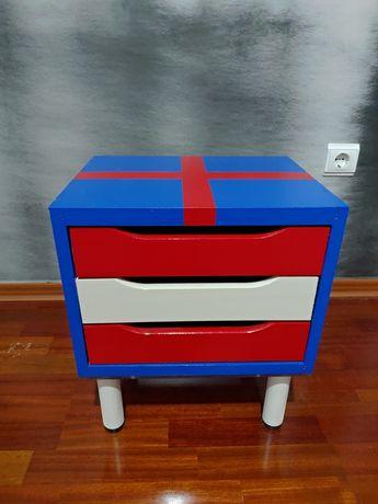 Mesa de cabeceira / bloco de gavetas