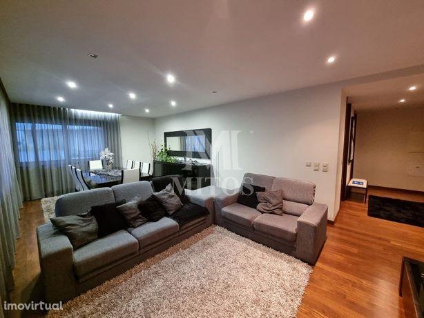 Apartamento T3 de luxo com terraço ao nível