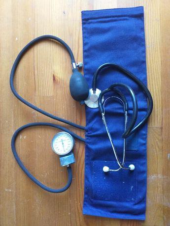 Ciśnieniomierz zegarowy ze stetoskopem