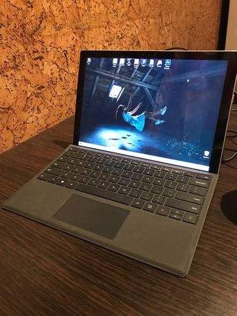 Планшет Microsoft Surface Pro 4 - i5/8GB/500GB