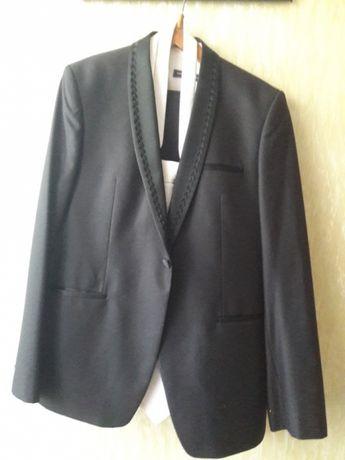Стильный костюм на выпускной, свадьбу