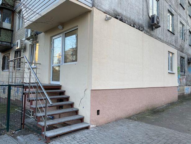 сдам офис с отд. входом, фасад ул.Липковского 5, 40000грн.