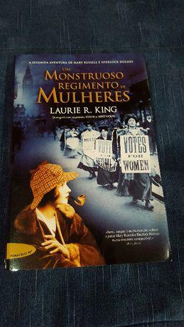 """Livro """"Um Monstruoso Regimento de Mulheres"""" de LAURIE R. King"""
