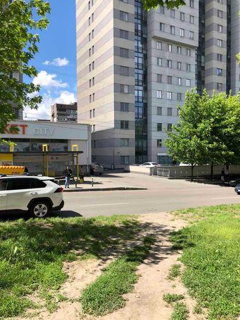 Продам помещение внизу Кирова (Поля) с отдельным входом. Центр!