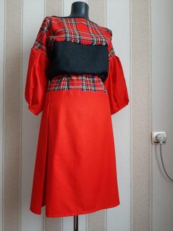 Платье теплое, зимнее, осеннее.Натуральная шерсть.