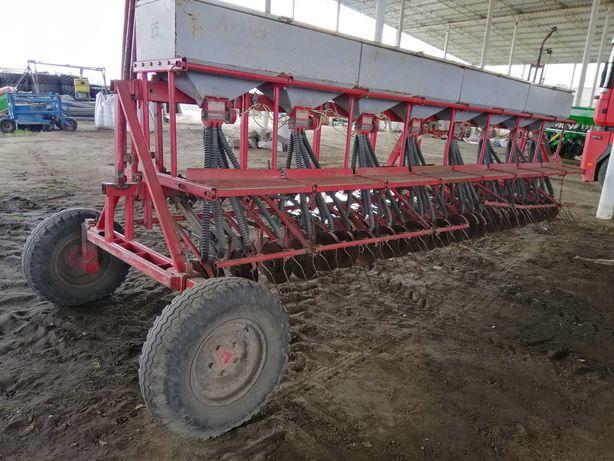 Сеялка зерновая зернотравяная Клен-6 СЗ для трактора борона плуг
