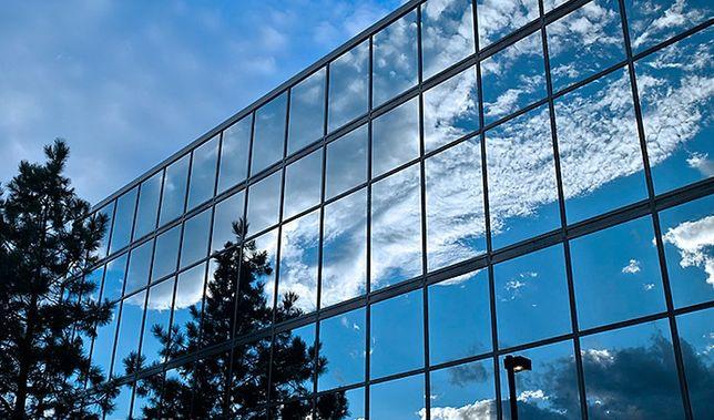 Солнцезащитная пленка на окна зеркальная тонировка окон тонирование