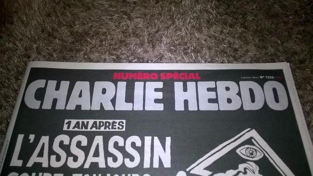 Jornal Charlie Hebdo 1178 / 1224 / 1276 . Raridades
