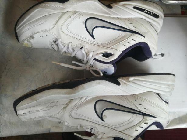 Кросівки NIKE 46 розмір