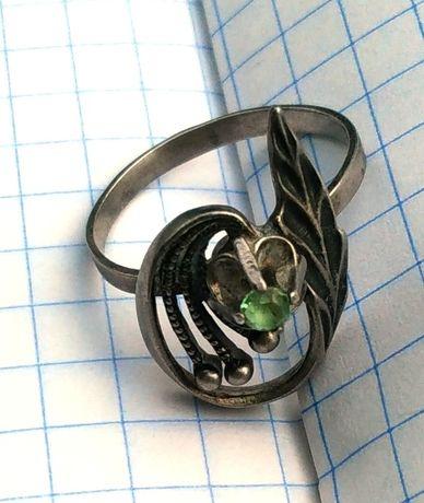 Кольцо винтажное серебро с камнем 925 проба