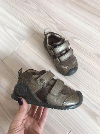 Кожаные кроссовки (ботинки) biomecanics 22 осенние