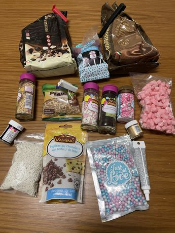 Chocolates, moldes e caixas