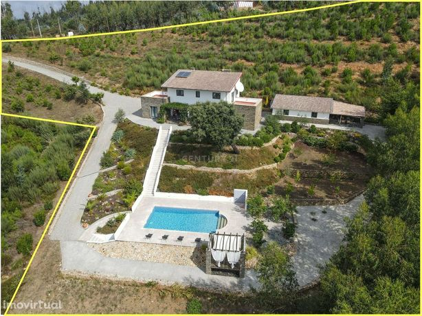 Moradia T4 de qualidade com varanda, churrasco coberto, piscina, terra