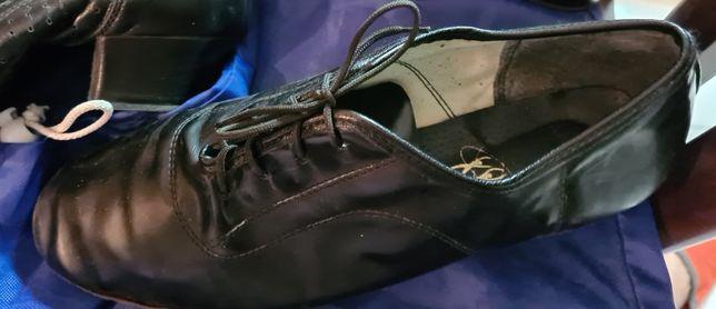 Продам туфли для бальных танцев б\у на мальчика в отличном состоянииПр