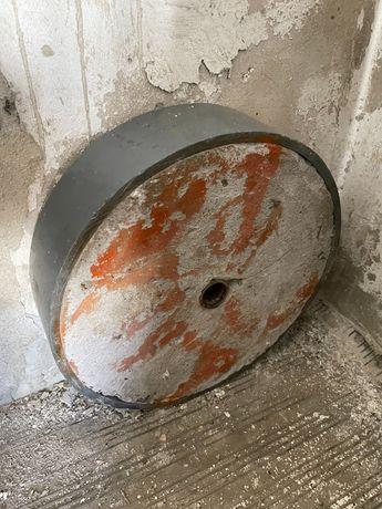 Obciążenie betonowe stare