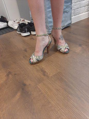 Sandały kolorowe