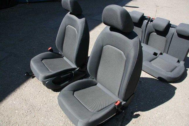 Siedzenia + tapicerka drzwi boczki do Audi A3 8V sedan Kraków