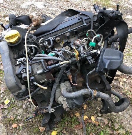 Мотор двигун 1.5 DCI K9K Megane Scenic Kangoo CLio Стартер спереду