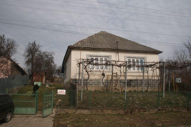 Продам будинок із земельною ділянкою