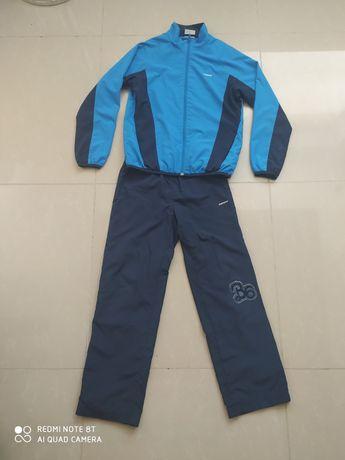 Спортивный костюм demix 146см