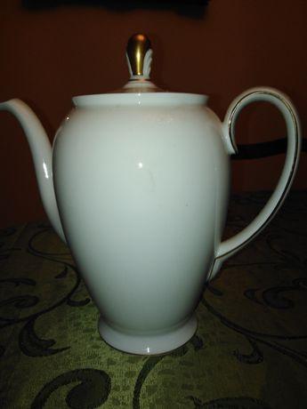 Porcelanowy dzbanek do kawy