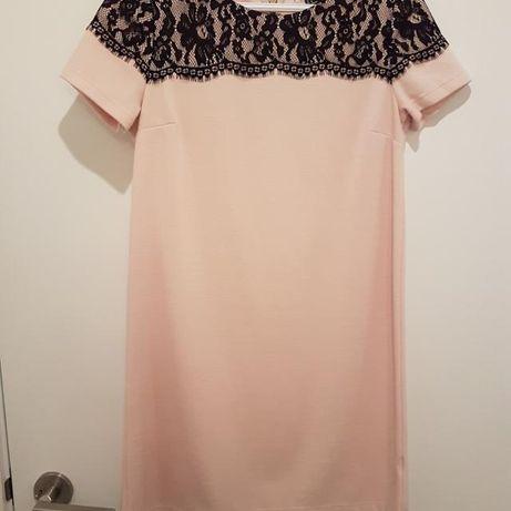 Платье H&M с кружевом р-р М