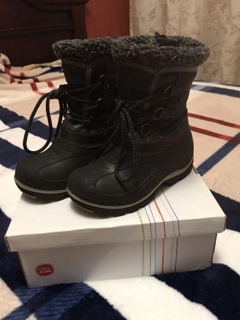Зимние сапоги,ботинки,теплые непромокаемые