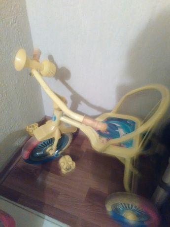 Велосипед 3-х колесный до 6 лет