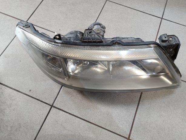 Renault Laguna 2 lampa prawa przód Xenon
