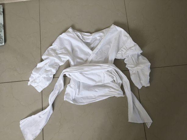 Блуза на запах з об'ємнимм рукавами