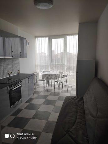"""1 кімнатна, ЖК """"Над Бугом"""", меблі, техніка, кондиціонер, вид на річку."""