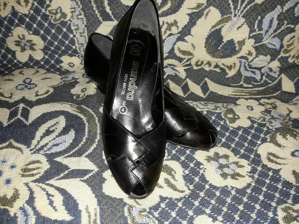 Buty damskie Sandra otwarty palec rozm.37