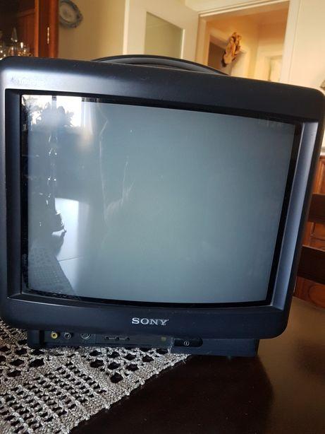 Televisão SONY com avaria (para peças ou arranjo)
