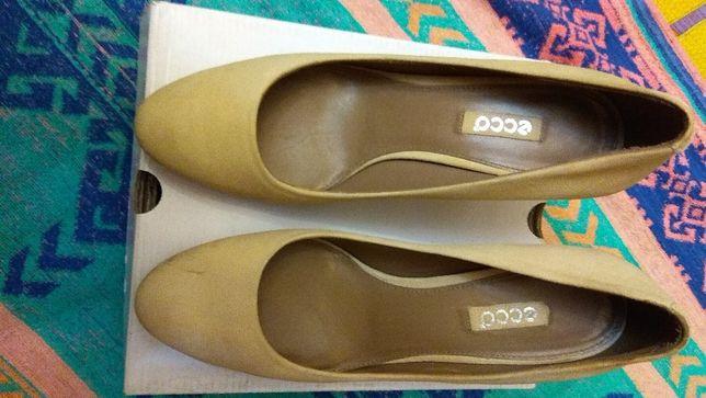 Продам жіночі ECCO туфлі розмір 41 (підходить більше на 39)