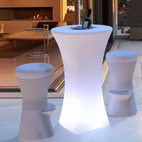 Mesa com luz para exterior
